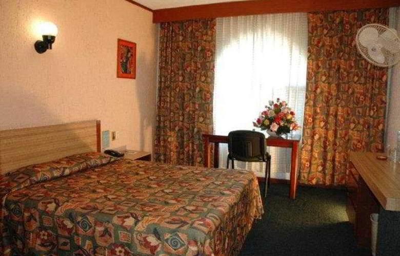 Villa del Sol and Suites - Room - 4