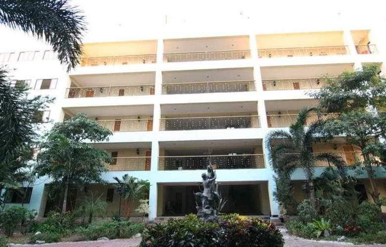 13 Coins Hotel Suvarnabhumi Minburi - General - 3