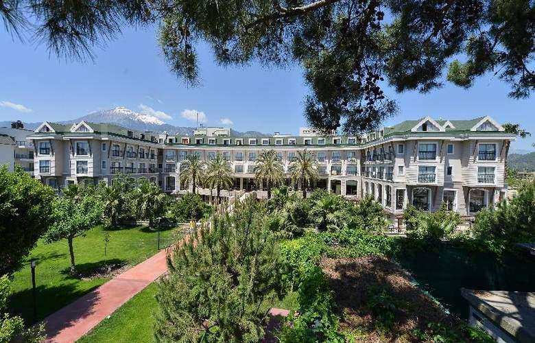 Novia Lucida Beach Hotel - Hotel - 8