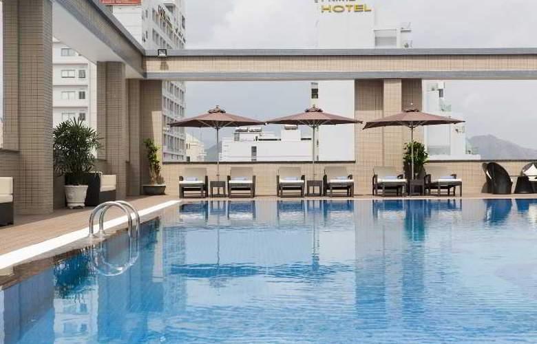 Muong Thanh Nha Trang Centre Hotel - Pool - 51