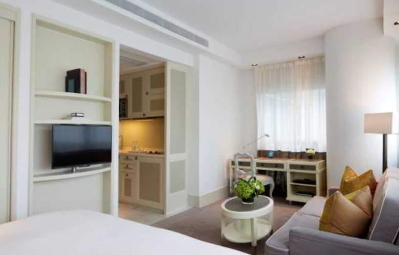 Lanson Place - Room - 15