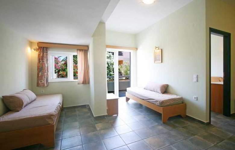 Epimenidis Hotel - Room - 0