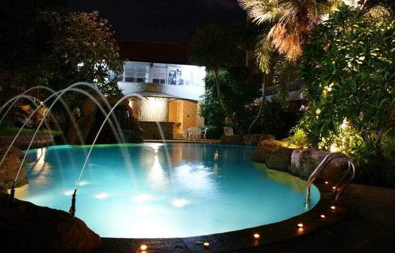 Bella Villa Serviced Apartment - Pool - 6