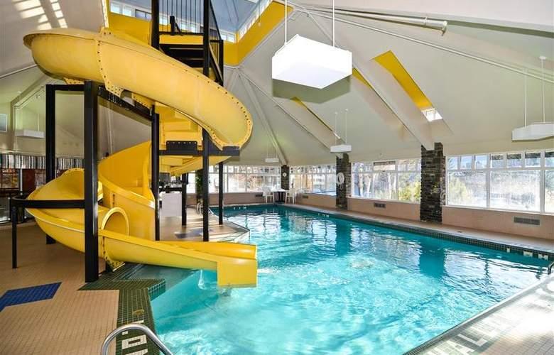 Best Western Plus Pocaterra Inn - Pool - 137