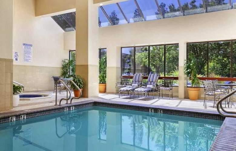 Embassy Suites Santa Clara Silicon Valley - Pool - 8