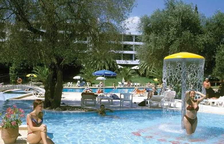 Park - Pool - 1