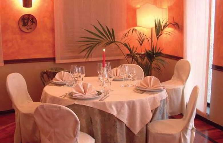 Bluebay Colle Della Trinità Perugia - Restaurant - 12