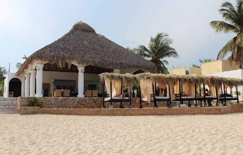 La Isla Huatulco - Beach - 16