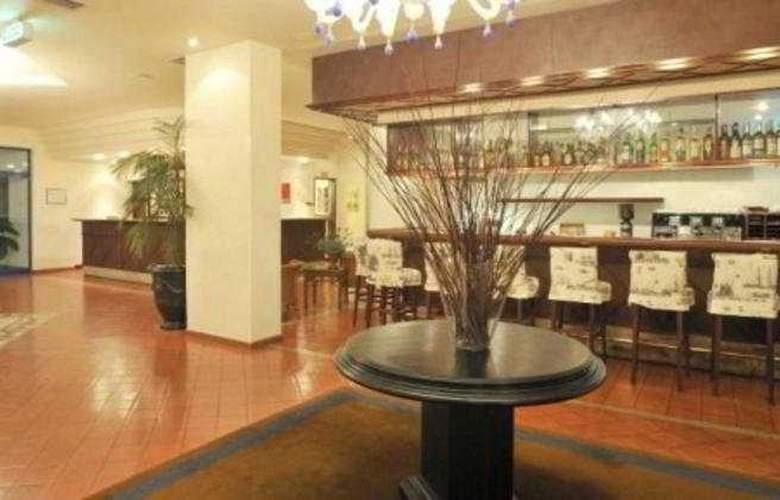 Pestana Cascais Ocean & Conference Aparthotel - Bar - 8