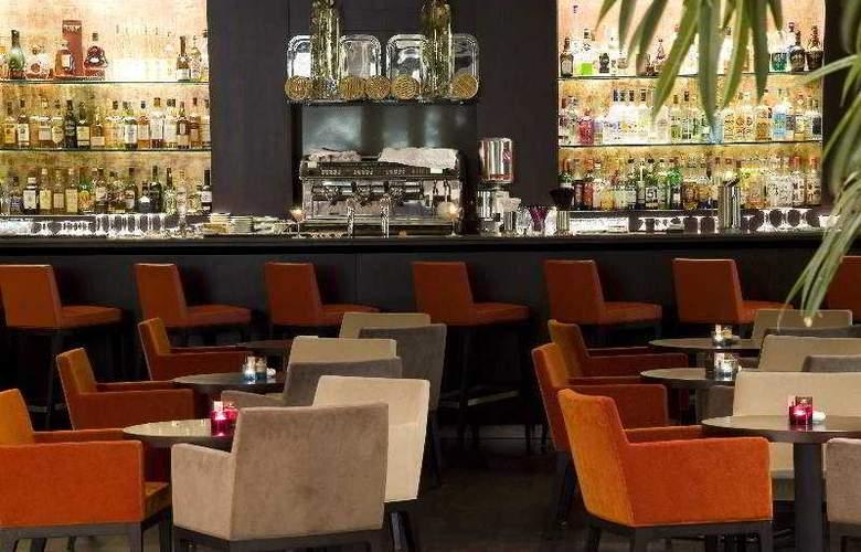 Hilton Evian-les-Bains - Bar - 7
