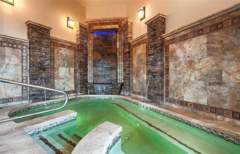 Best Western Driftwood Inn - Pool - 74