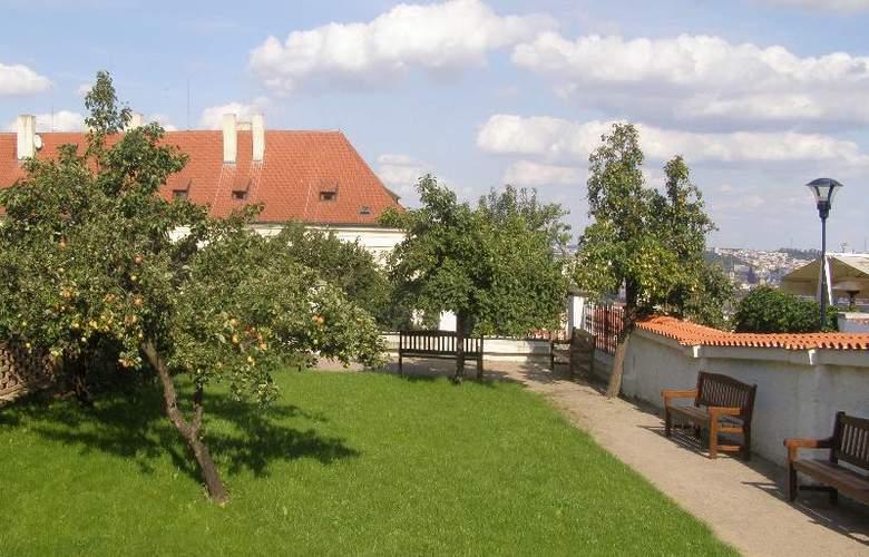 Monastery Garden - Hotel - 4