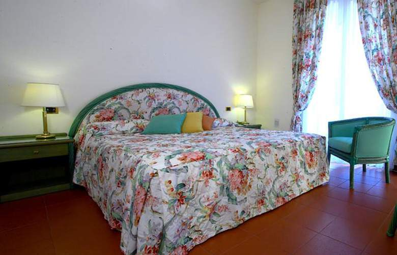 Caparena - Room - 8