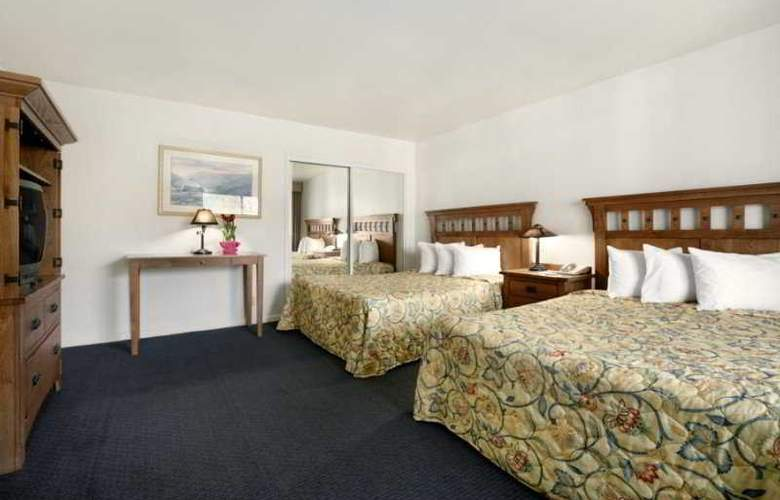 Days Inn & Suites- Santa Barbara - Room - 3