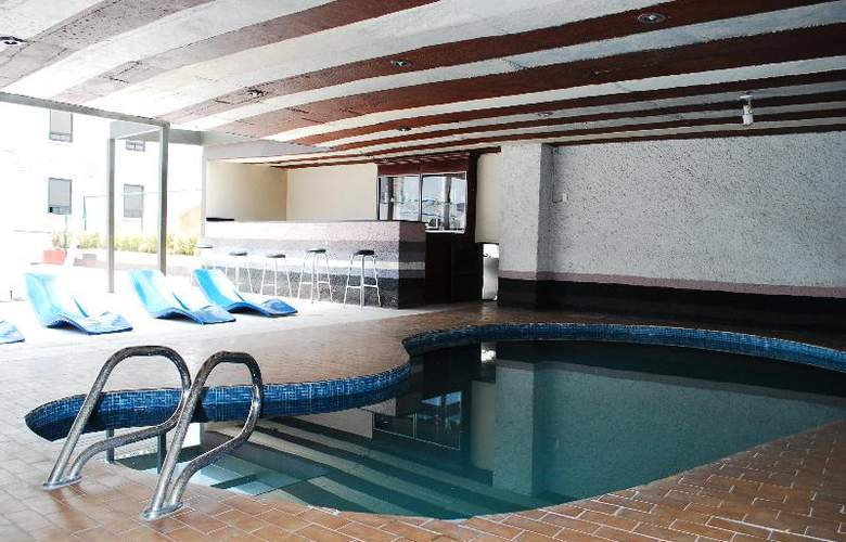 Aristos Puebla - Pool - 31