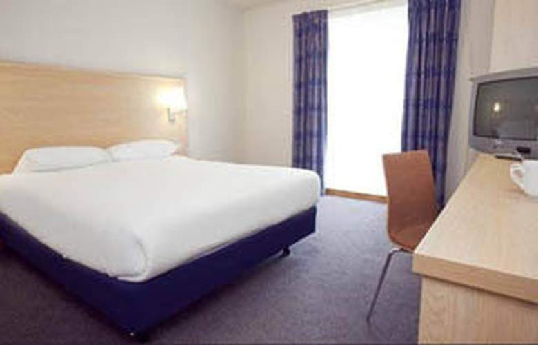 Travelodge Stansted Great Dunmow - Room - 1