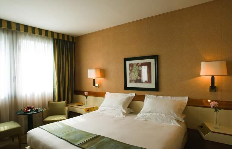 Starhotels President - Room - 2
