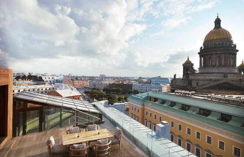 W St. Petersburg - Terrace - 62