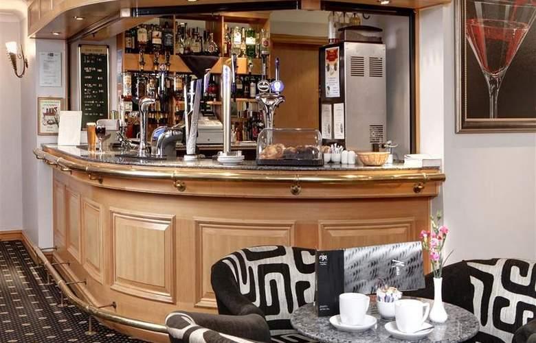 Best Western Bentley Leisure Club Hotel & Spa - Bar - 97
