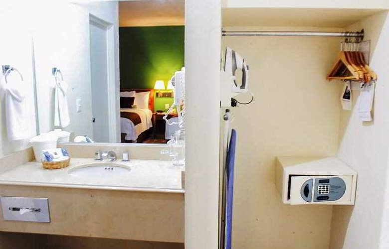 Comfort Inn Tampico - Room - 16
