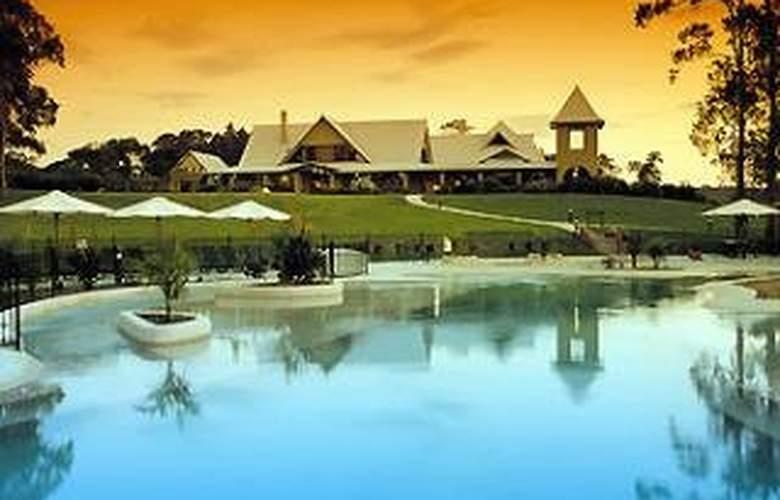 Mercure Lake Macquarie Raffertys Resort - Hotel - 0