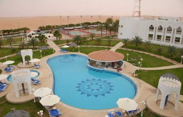 Liwa Hotel Abu Dhabi - Pool - 8