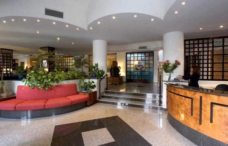 Caravel - Hotel - 0