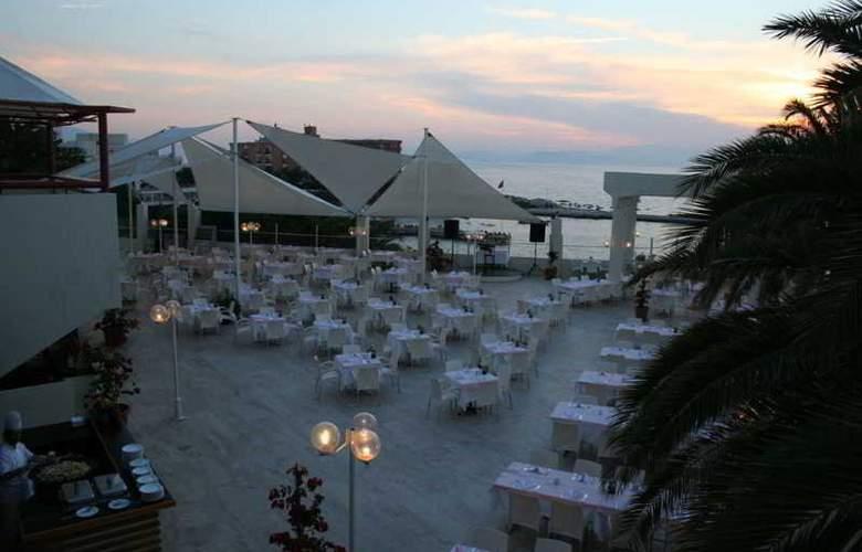 Hotel Imbat - Terrace - 4