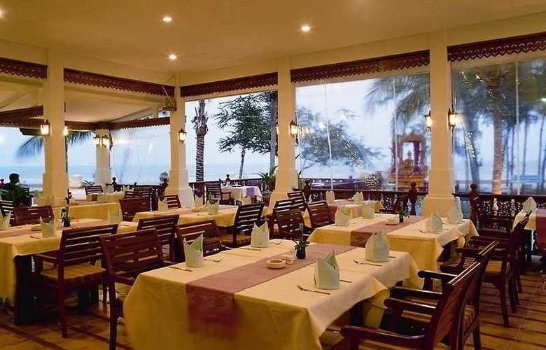 Privacy Beach Resort and Spa - Restaurant - 6