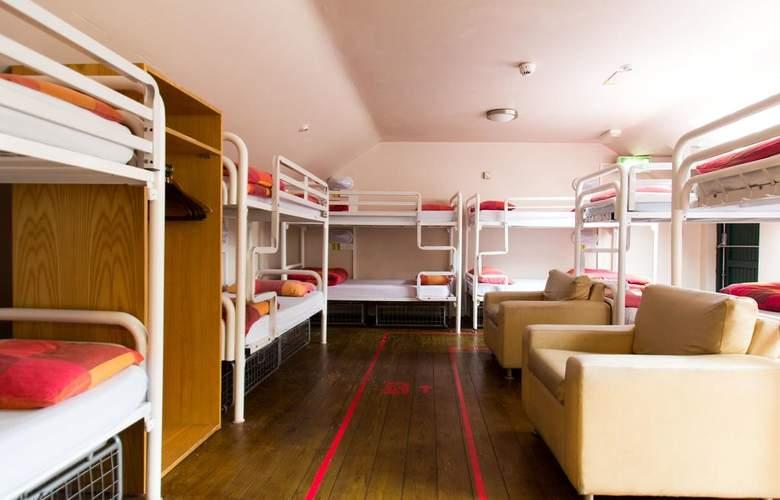 Barnacles Galway - Room - 13
