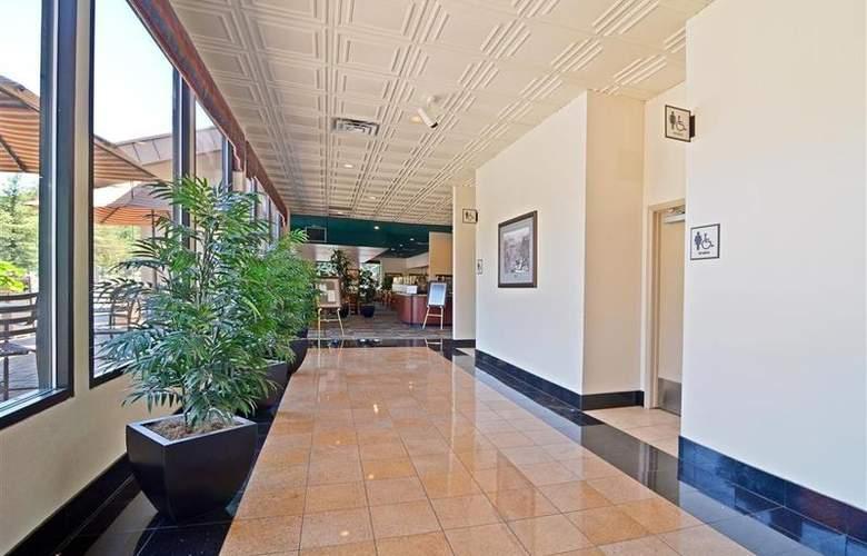 Best Western Premier Grand Canyon Squire Inn - Restaurant - 143