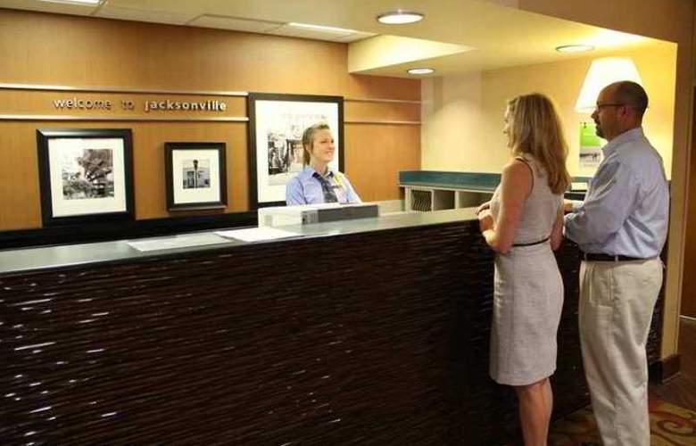 Hampton Inn Jacksonville-I-95 Central - Hotel - 11
