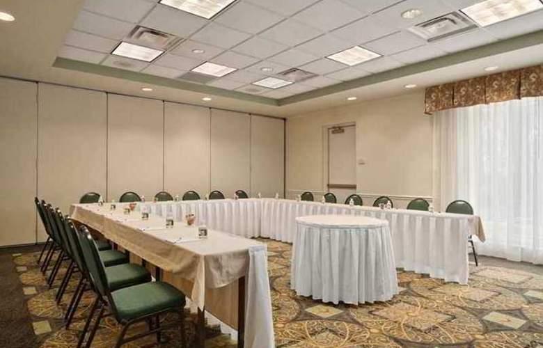 Hilton Garden Inn Bridgewater - Hotel - 1