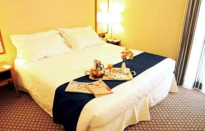 Holiday Inn Milan - Linate Airport - Room - 2