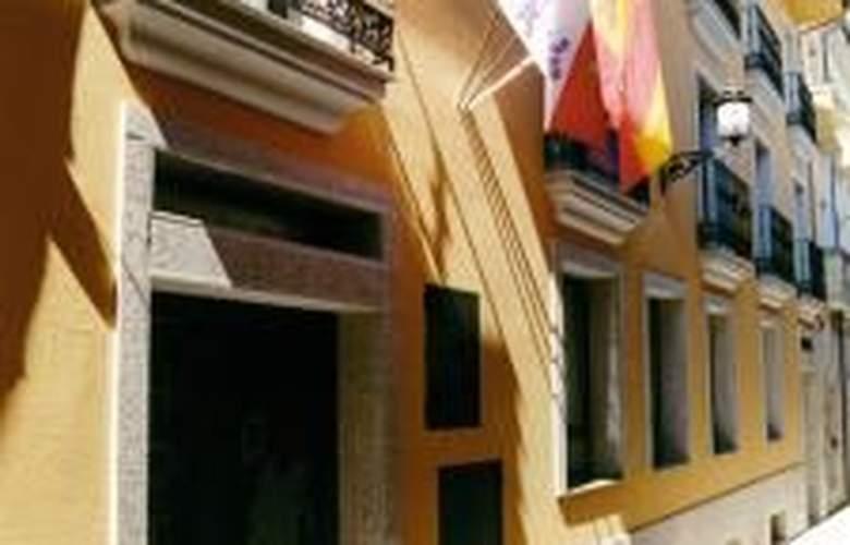 Los Templarios - Hotel - 0