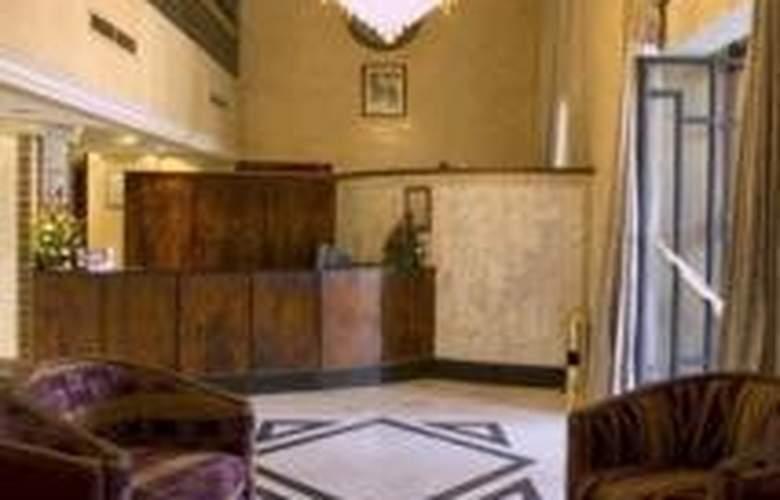 Nassim Hotel - General - 1