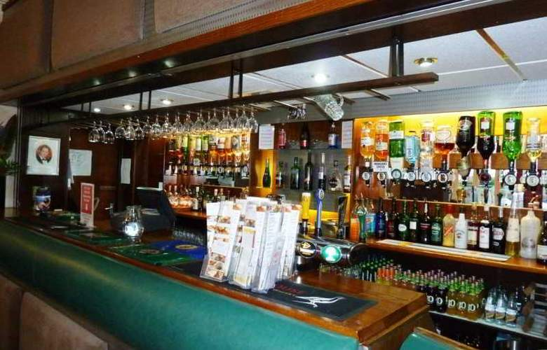 The Lindum Hotel Limited - Bar - 2