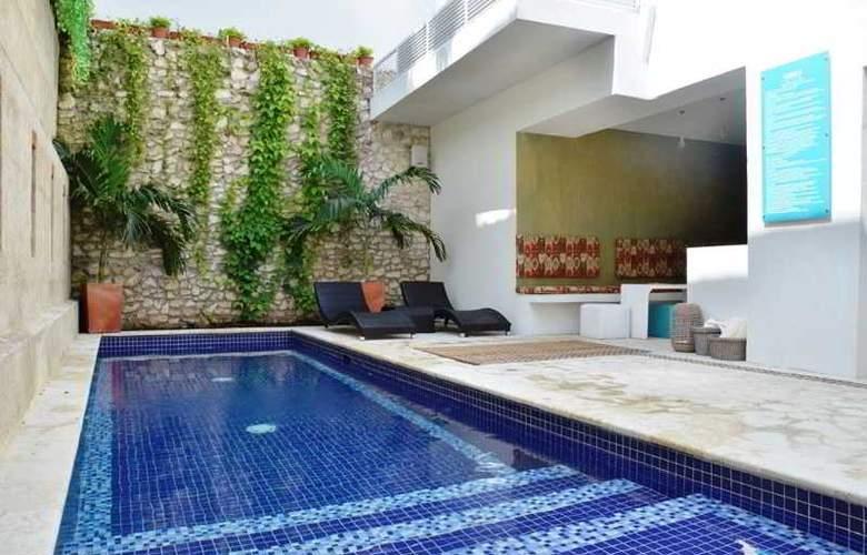 Badillo Hotel Galeria - Pool - 2
