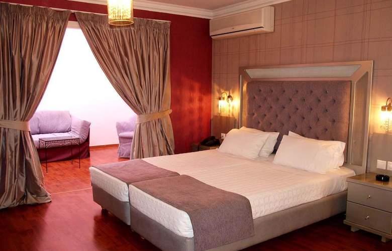 Delphi Art Hotel - Room - 2