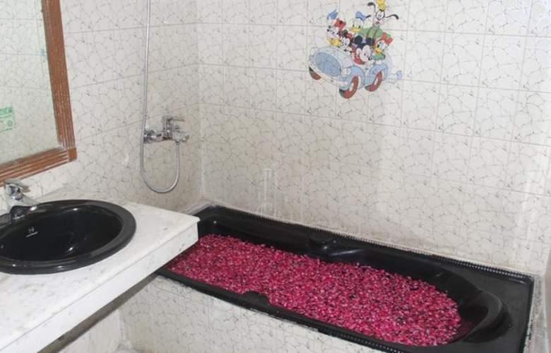 Surya Plaza - Room - 4