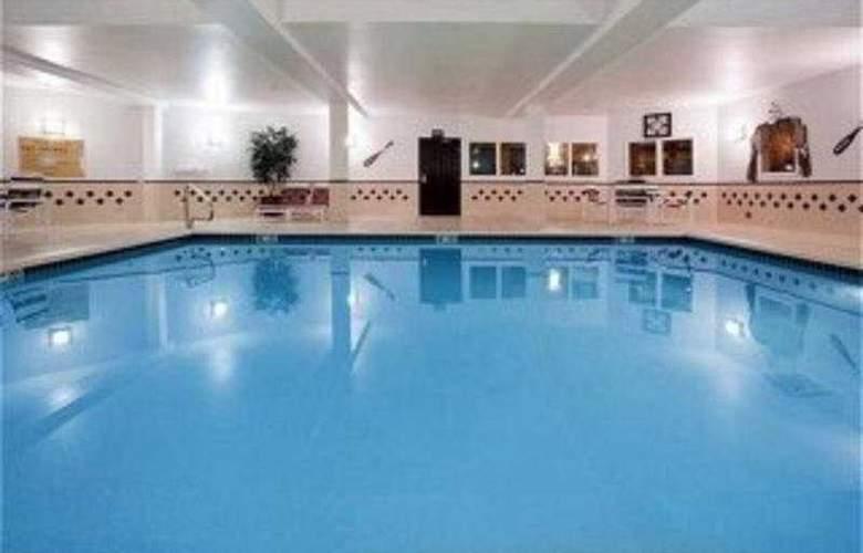 Holiday Inn Express Layton - Pool - 3