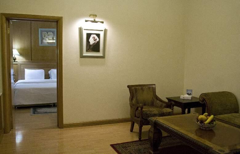 Ramada Palace Bahrain - Room - 5