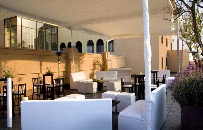 Hampton Inn & Suites Centro Historico - Terrace - 12