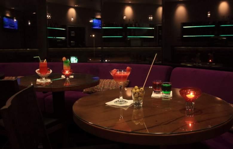 Axsur Design Hotel - Bar - 11