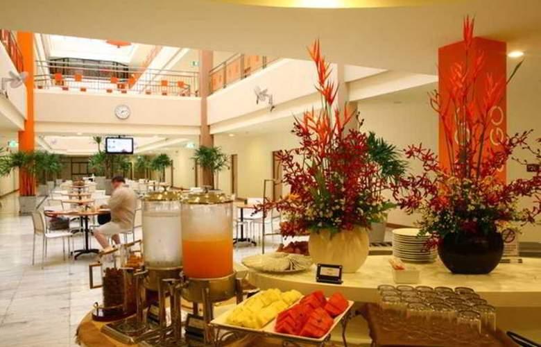 Imm Hotel Thaphae Chiang Mai - Restaurant - 13