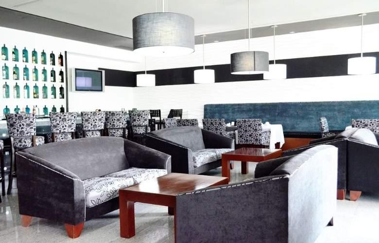 Casa Inn Celaya - Bar - 6