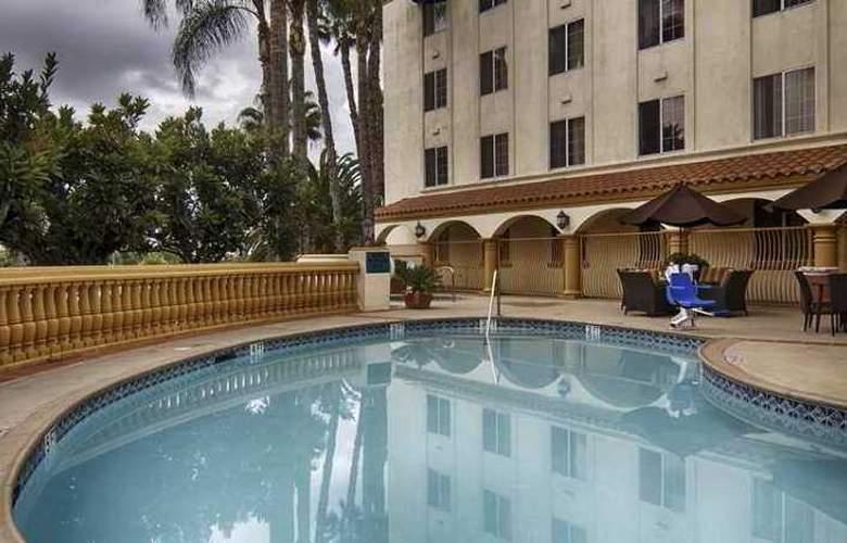 Hampton Inn And Suites Santa Ana - Hotel - 4