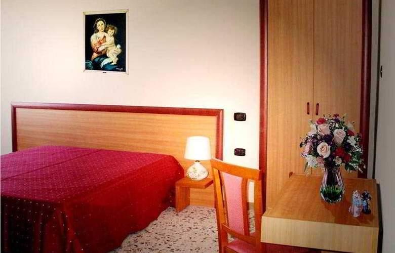 La Casa del Pellegrino - Room - 7