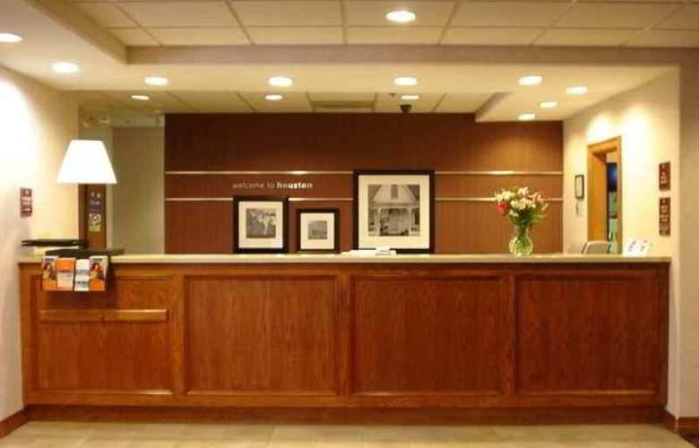 Hampton Inn & Suites Houston Cypress Station - Hotel - 1