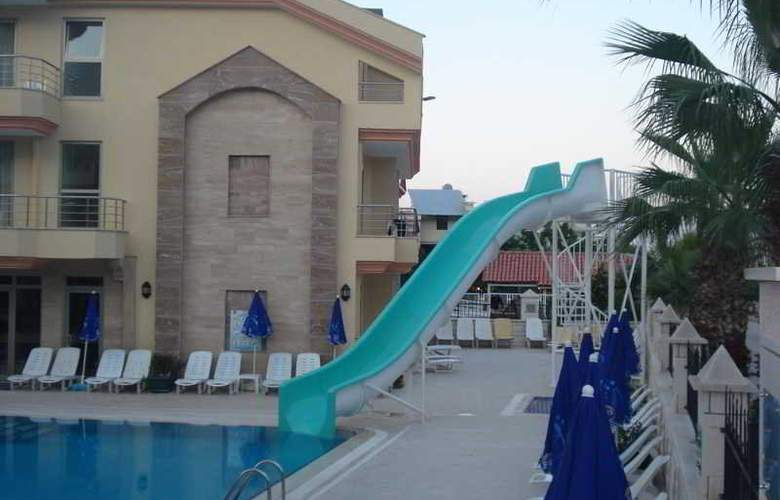 Grand Lukullus Hotel - Pool - 2